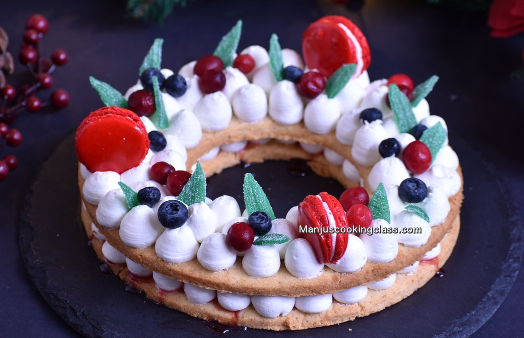 Cream Tart Christmas Wreath