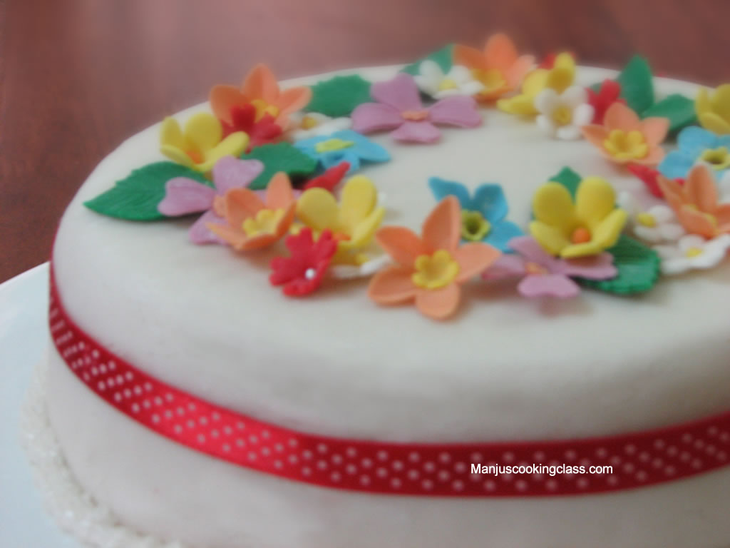 Gelatin Free Fontant Cake Decoration
