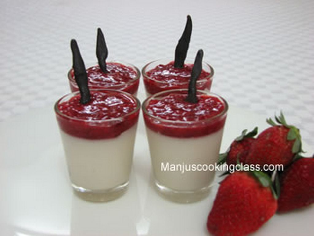 Panacotta with Strawberry Colee