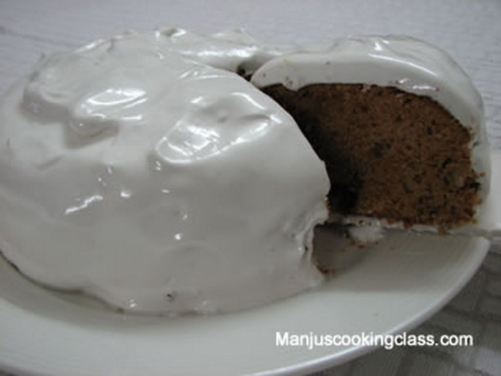 Wallnut Cake with American Frosting